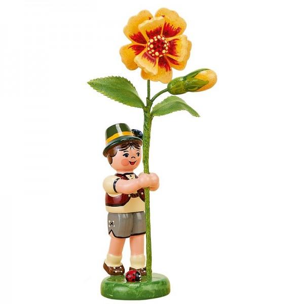 Hubrig Blumenkinder Junge mit Tagetes